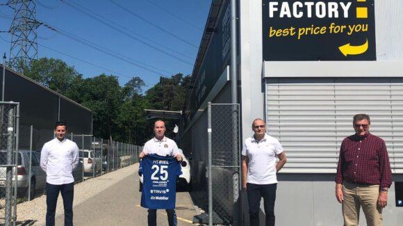 3 Jahresvertrag mit Sports Outlet Factory und Hummel